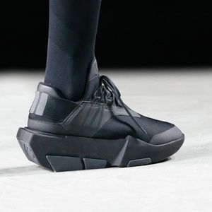 ca85896f0a21 BRAND NEW Y-3 SNEAKER for both men and women